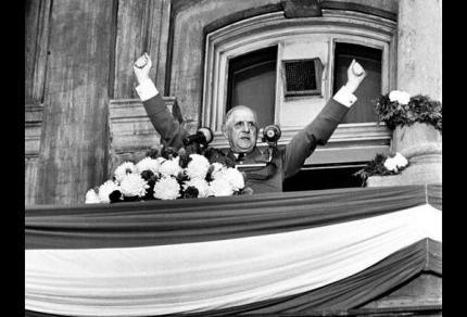 De Gaulle qui célèbre un but de Sala