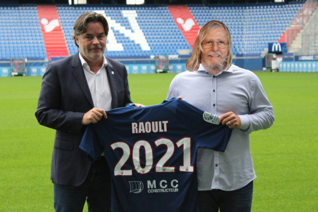 Didier Raoult s'engage pour un an